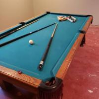 8ft Olhausen Pool Table